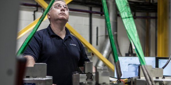 With Autodesk, engineering design and manufacturing departments collaborate better by connecting live data between CAD and CAM systems.