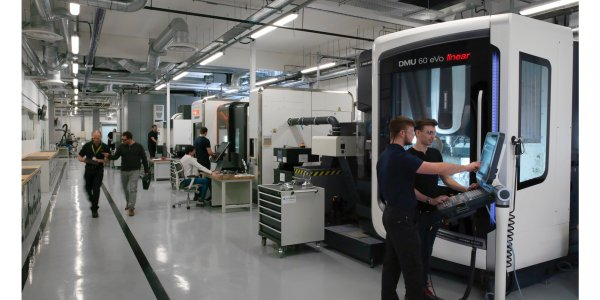 The new Autodesk Technology Center in the UK specializes in collaborating with partners and customers to showcase advanced manufacturing technologies that promise to disrupt and transform the way we make things