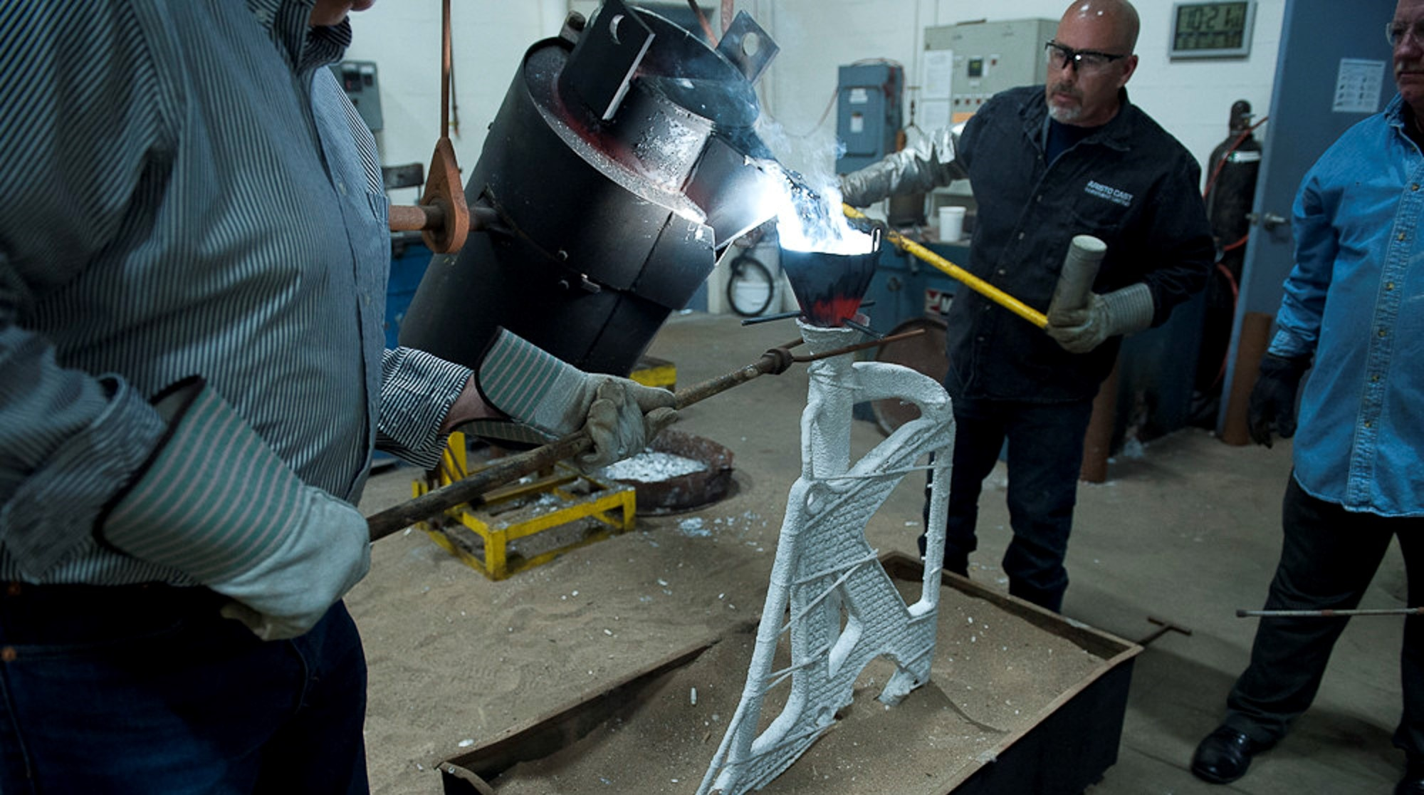 Generative design and metal casting techniques helped lightweighting an airplane  seat.