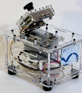 「NinjaPCR」DNA増幅器
