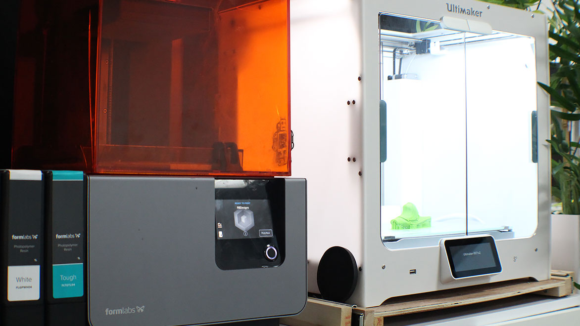 A rapid prototyping machine used for 3D printing