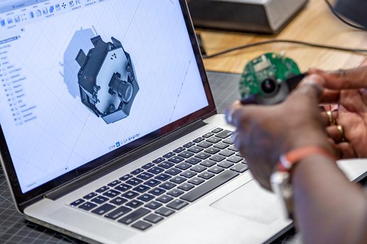 Projekt produktu dotyczący kamery gromadzącej zdalne dane w czasie rzeczywistym