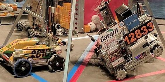 Robots diseñados por estudiantes en FIRST Robotics Competition