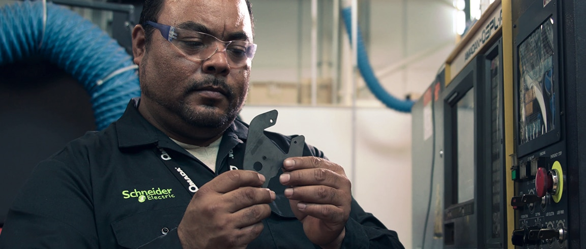 Video: Schneider Electric's success using Moldflow