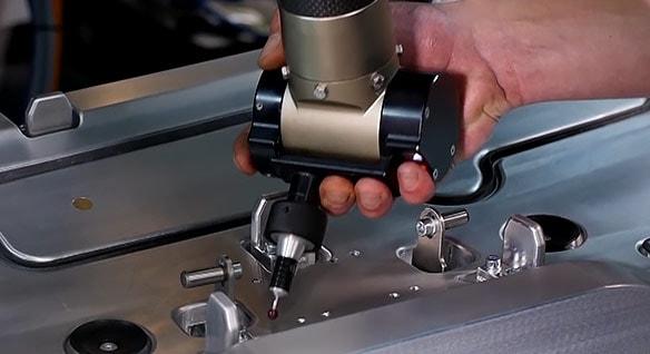 bielomatik Leuze standardisiert Qualitätsprüfungen auf verschiedenen Geräten