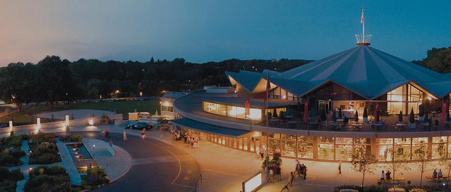 Vista del paisaje nocturno del Festival Stratford